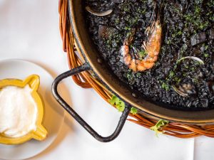 arroz negro restaurante en vielha era lucana